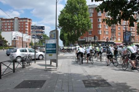 cyclistes porte IVry